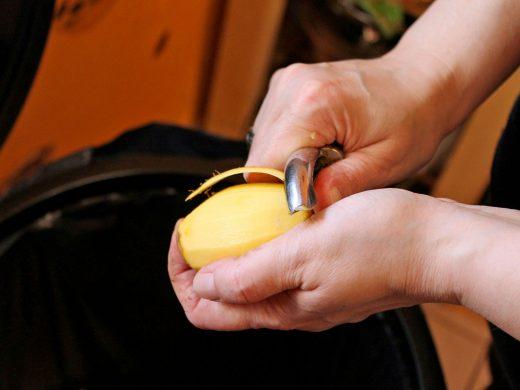 peel-potato-282427_1920